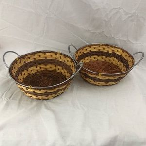 Pair of small wicker baskets with handle